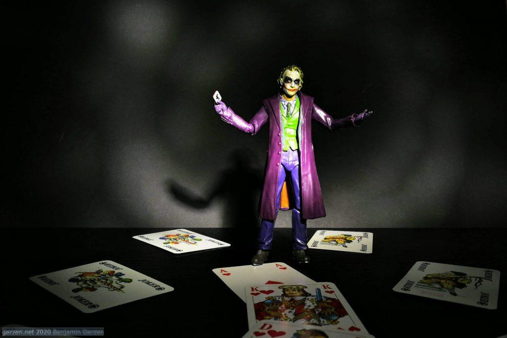 Joker action figure wit cards