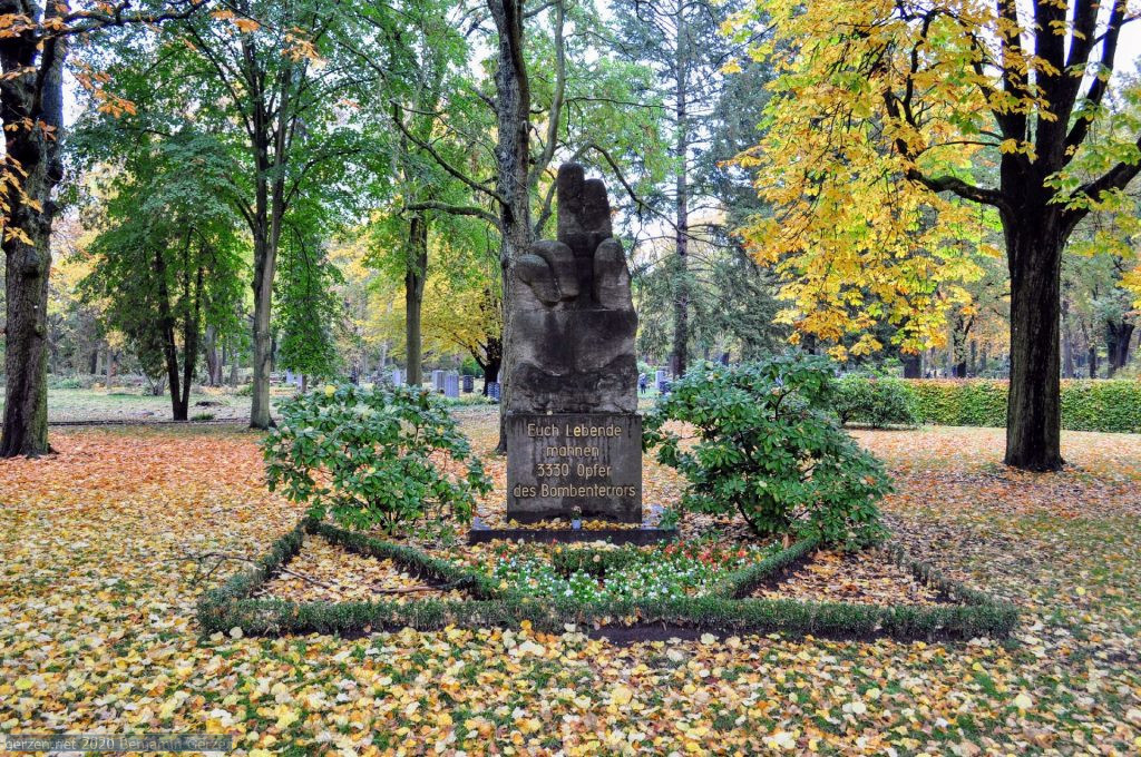 Memorial to the victims of bombardment in WWII, garden cemetery Marzahn
