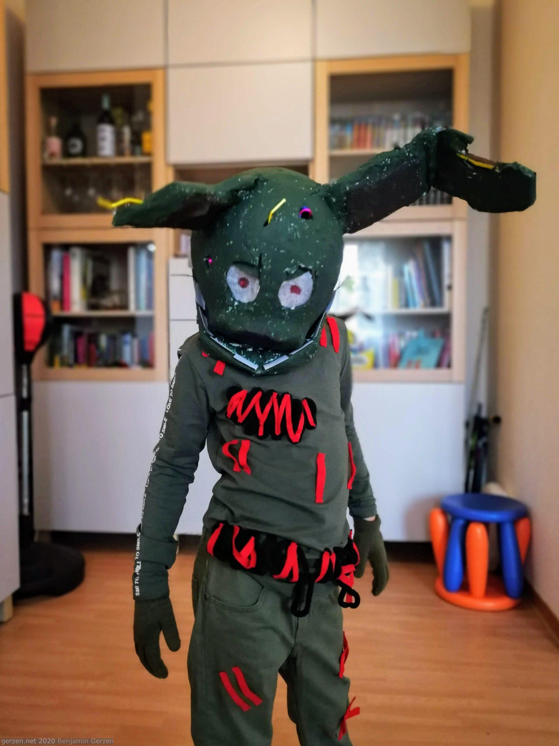 Мальчик в костюме Спрингтрэпа